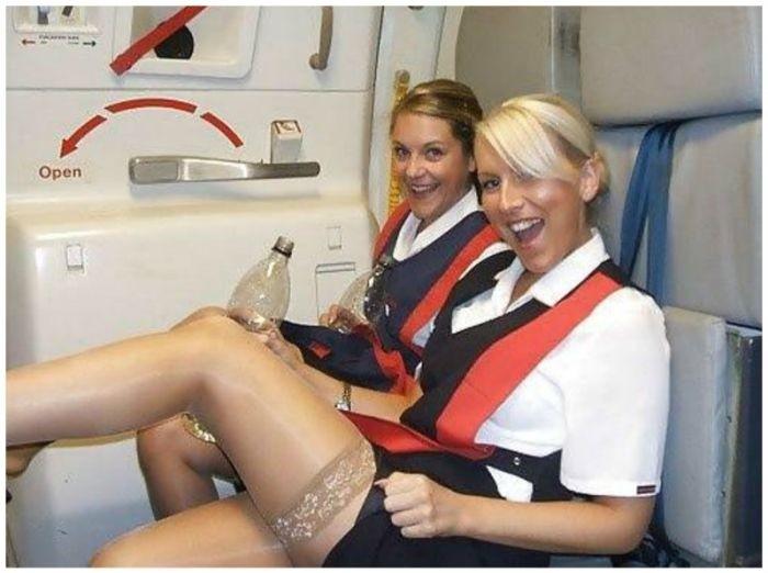 Прекрасные пассажирки и очаровательные стюардессы