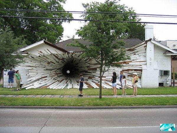 Оригинальный дом-тоннель (7 фото)