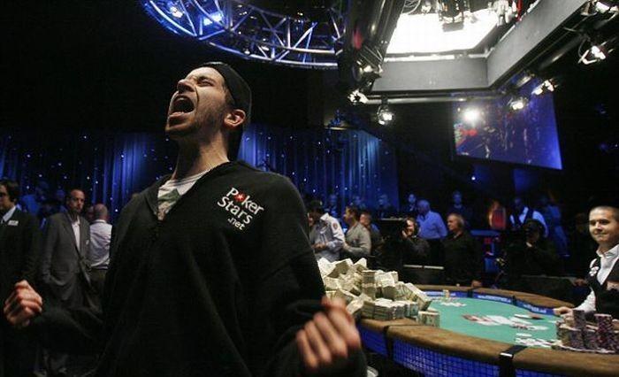Джонатан Духамел выиграл 8,9 миллионов долларов (14 фото)
