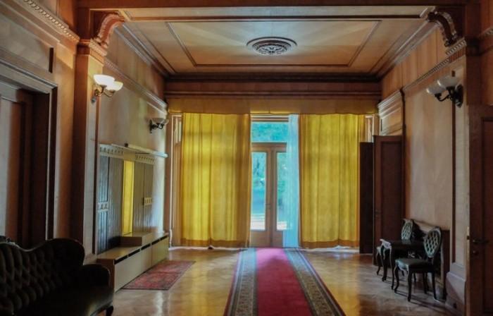 Уютный интерьер дачи Сталина в Абхазии