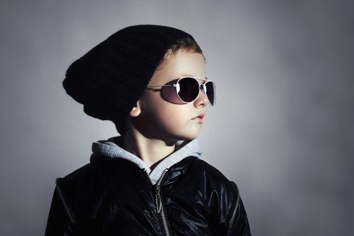 Ваш сын постоянно теряет шапки? Одна мама с хорошим чувством юмора нашла идеальное решение этой проблемы!
