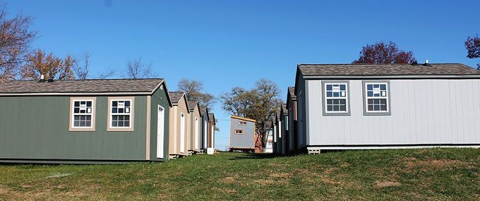 В США построили деревню для бездомных ветеранов (7 фото)