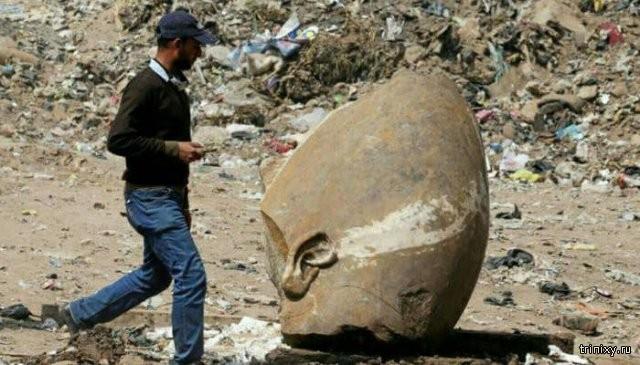 В Египте обнаружили статую Рамсеса II, которой уже 3000 лет (5 фото)