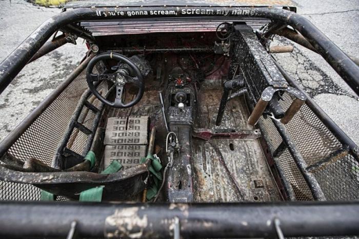 DeathKart, подготовленный к зомби-апокалипсису (18 фото)