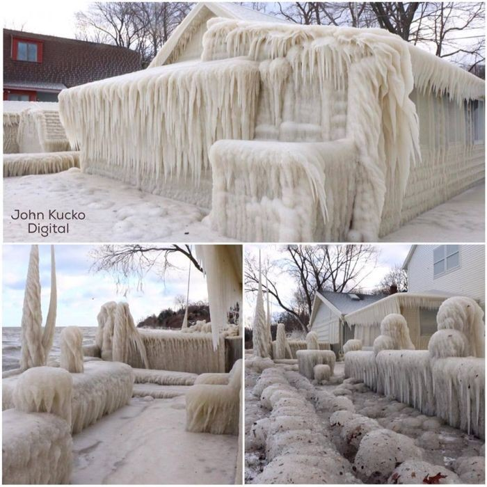 Замерзший дом на берегу озера Онтарио в США (3 фото)