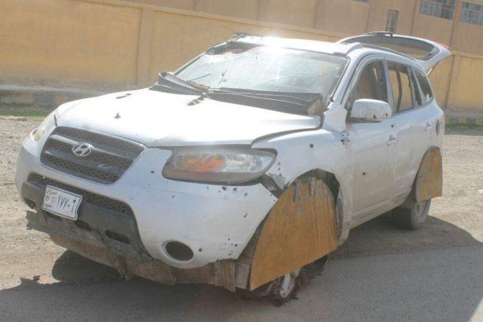 Захваченный автомобиль смертника ИГИЛ (3 фото)