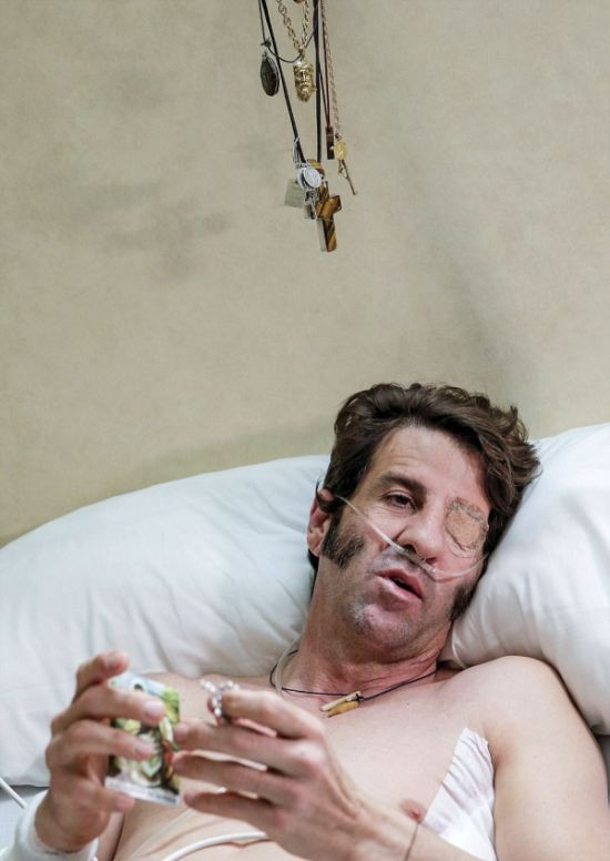 Бык выбил стеклянный глаз матадору Хуану Хосе Падилла (7 фото)