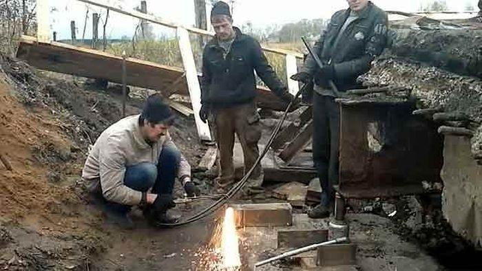 Предприниматели отремонтировали мост своими силами, сэкономив миллионы (4 фото)
