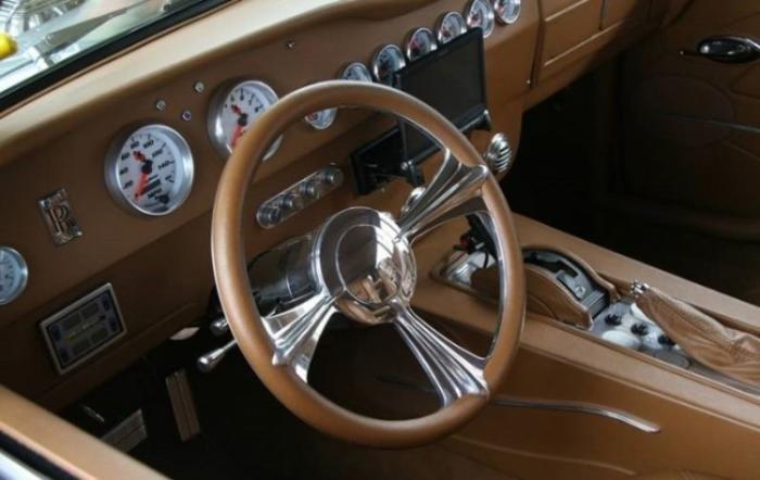 Прокачанный Rolls-Royce с для драгрейсеров из высшего общества (4 фото)