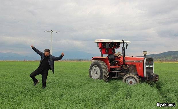 Аудиосистема стоимостью 2000 долларов на тракторе (4 фото)