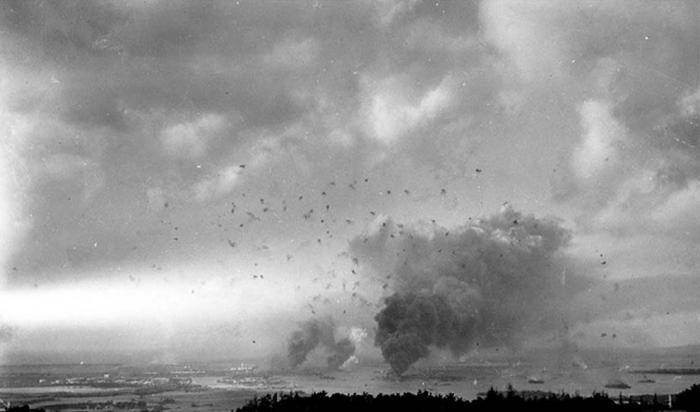 Редкие кадры атаки на Перл Харбор (37 фото)