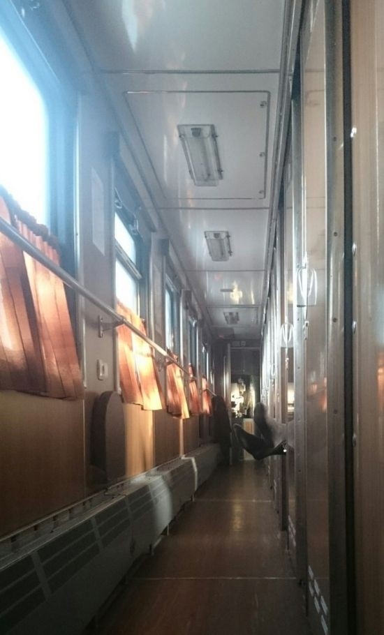 Прелести плацкартных вагонов (16 фото)