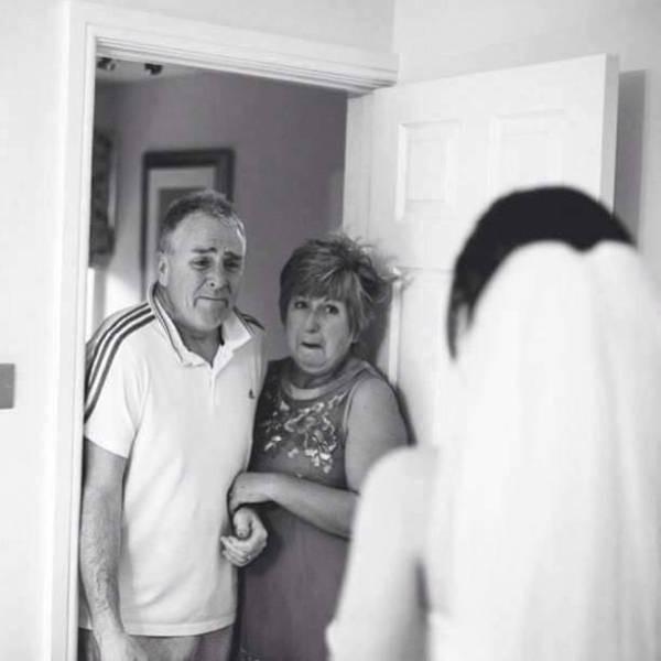 Трогательные эмоции отцов перед свадьбами их дочерей (17 фото)