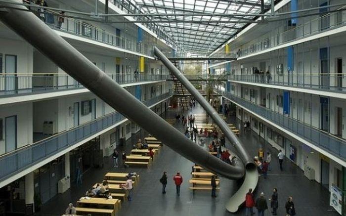 Горки в Мюнхенском техническом университете (2 фото)