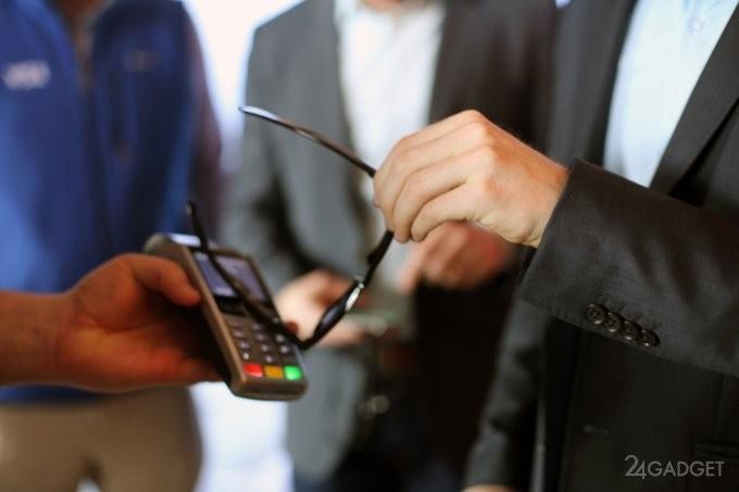 Visa: смарт-очки вместо банковской карты? (3 фото)