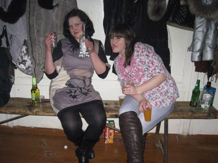 Незабываемая атмосфера сельских дискотек (29 фото)