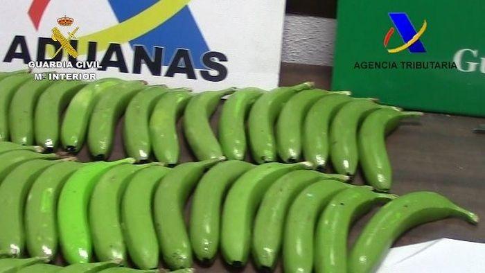 Испанская полиция обнаружила партию кокаина в бананах (6 фото)