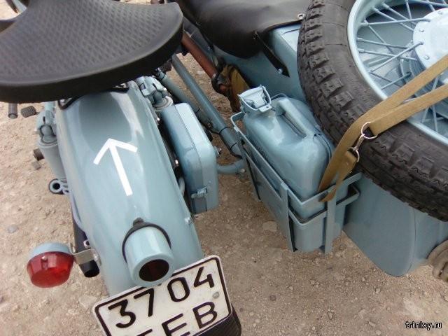 Восстановление старого мотоцикла Днепр (9 фото)