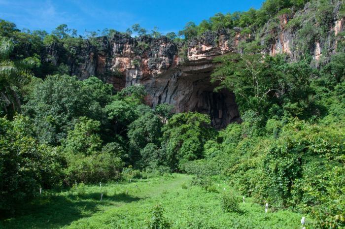 Невероятно красивая известняковая пещера в Бразилии (10 фото)