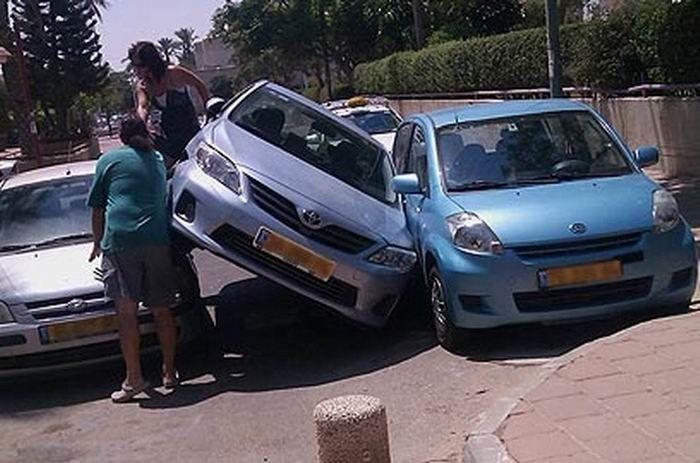 Отличная парковка (2 фото)