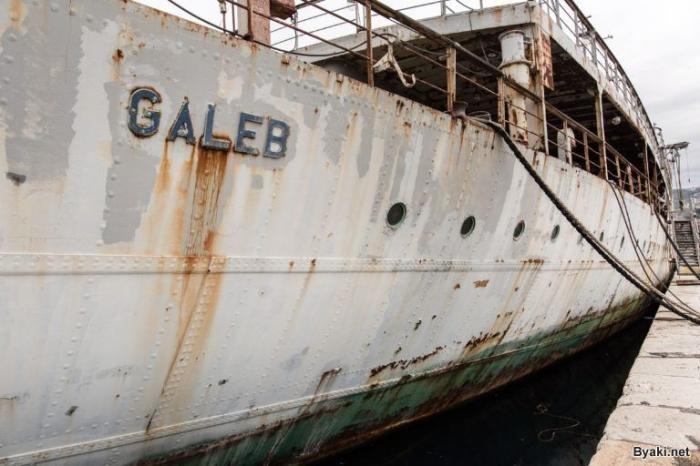Дважды утонувший корабль Иосипа Броз Тито (9 фото)