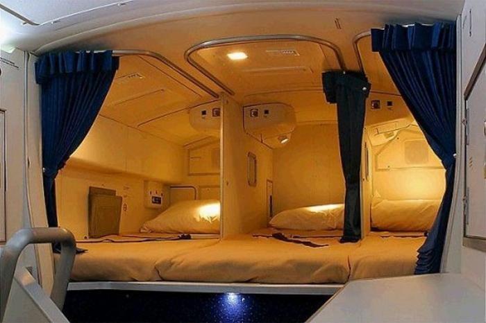 Каюты для отдыха в самолете (18 фото)