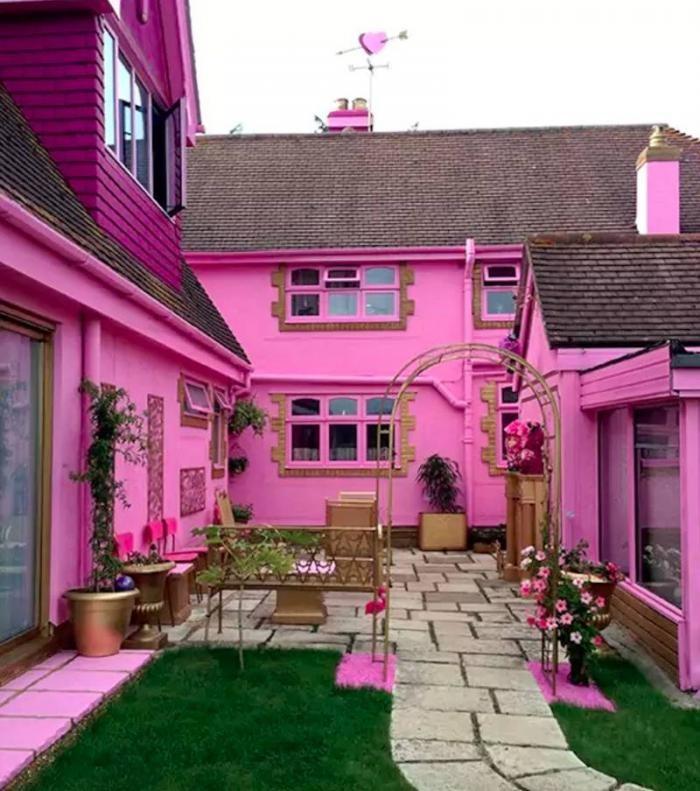 Дом мечты для фанатов розового цвета (9 фото)