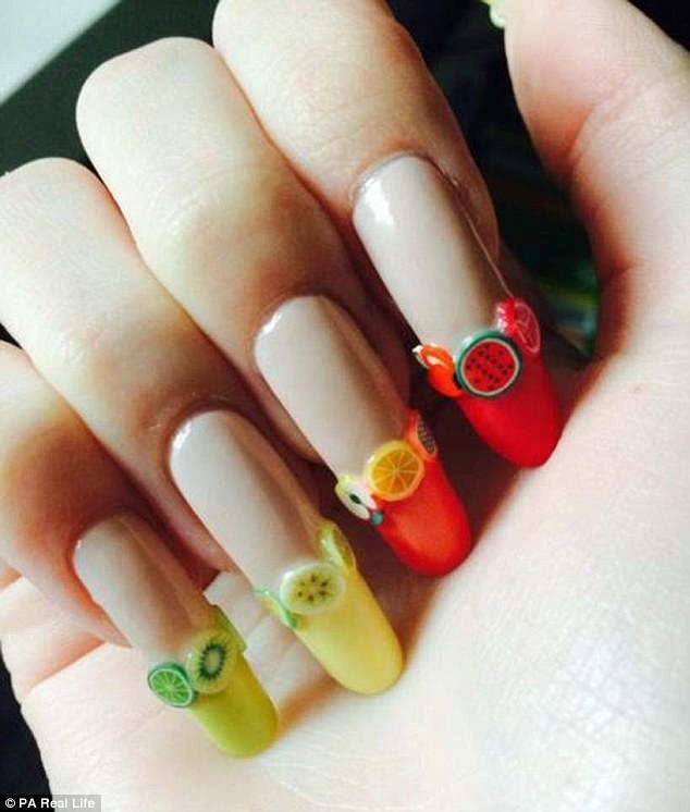 Как выглядят ногти, которые не стригли 3 года (15 фото)