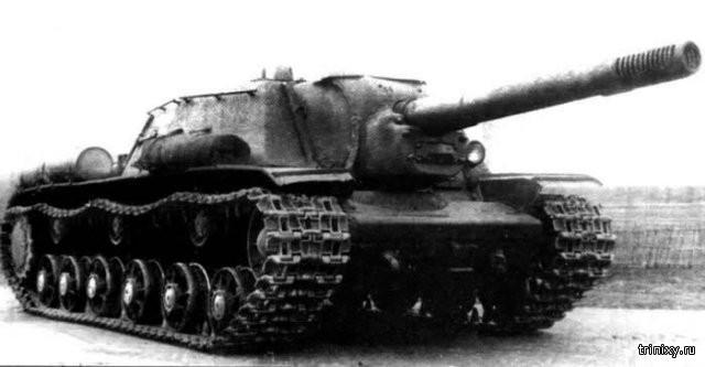 Последствия попадания пушки СУ-152 (8 фото)