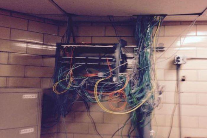 В США заключенные собрали собственный компьютер (3 фото)