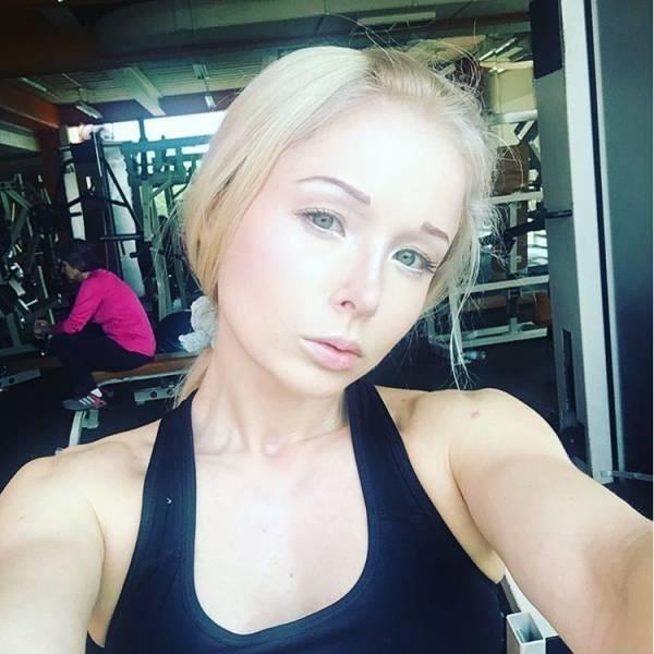 Украинская Барби Валерия Лукьянова без макияжа (13 фото)