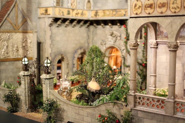 Кукольный домик, который дороже реального жилья (12 фото)