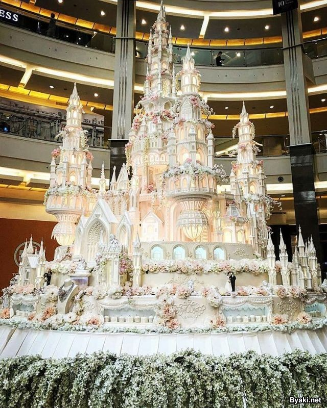 Эпические свадебные торты от мастеров семейной пекарни (11 фото)