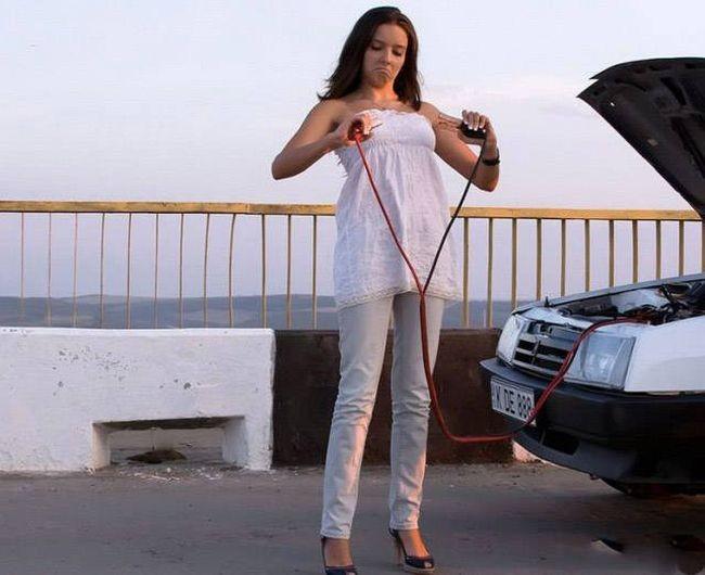 Приколы с женщинами за рулем (44 фото)