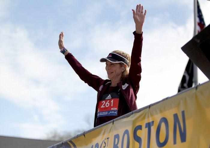 Первая участница Бостонского марафона Катрин Швитцер вновь приняла в нем участие (5 фото)