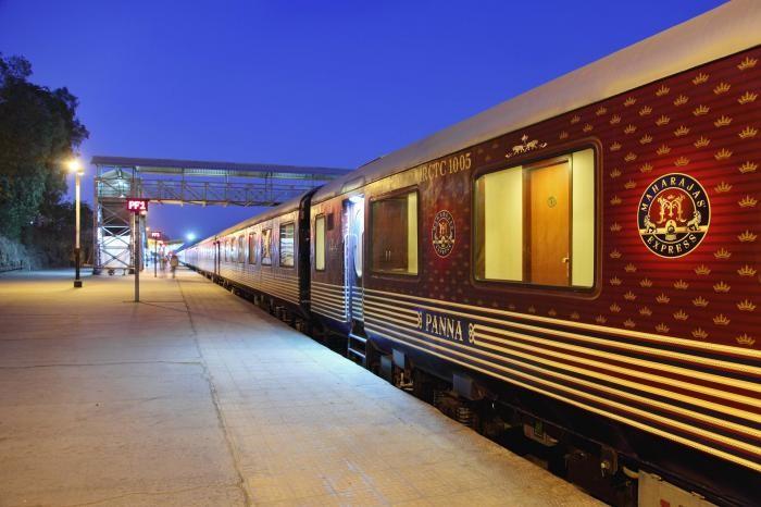 Атмосферные путешествия на самых комфортных поездах мира (25 фото)