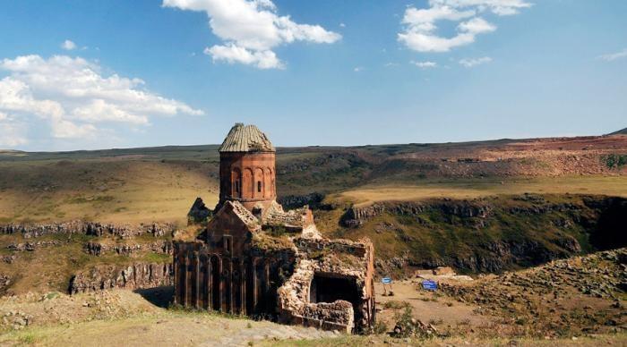 7 малоизвестных городов с богатой историей (7 фото)