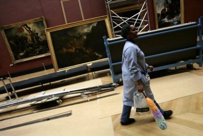Уборщица выбросила произведение искусства, стоимостью 10 000 евро (3 фото)