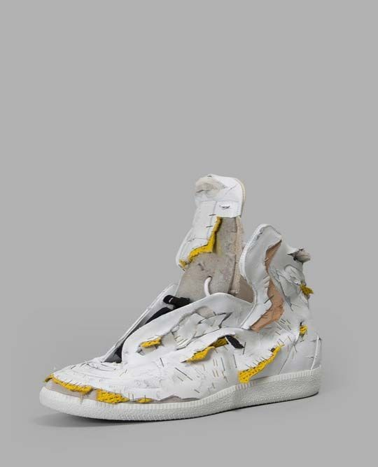 Это не обувь с помойки, а дорогие дизайнерские кроссовки (6 фото)