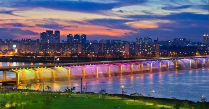 Самый счастливый город в мире (8 фото)