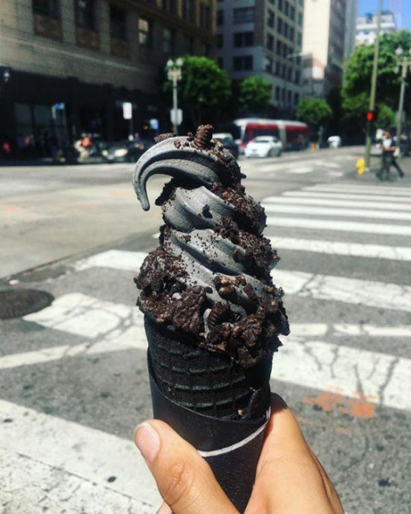 Черное мороженое (20 фото)