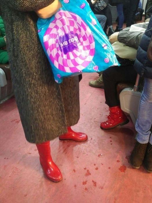 Модные пассажиры нашего метро (33 фото)