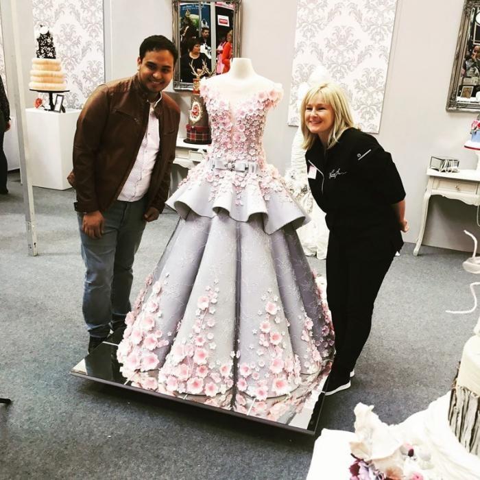 Невероятное свадебное платье-торт (6 фото)