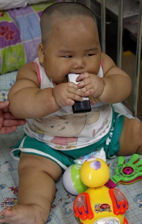 Мальчик-гигант из Китая (5 фото)