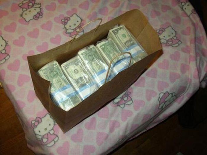 Куда поместится миллион долларов (13 фото)