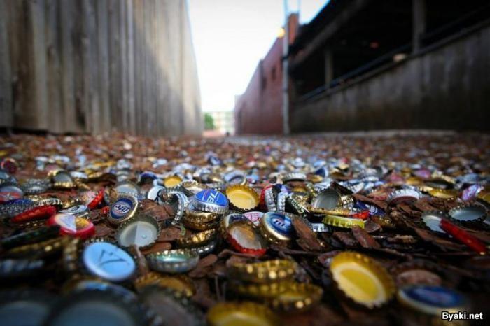 Аллея бутылочных крышек в Техасе (14 фото)
