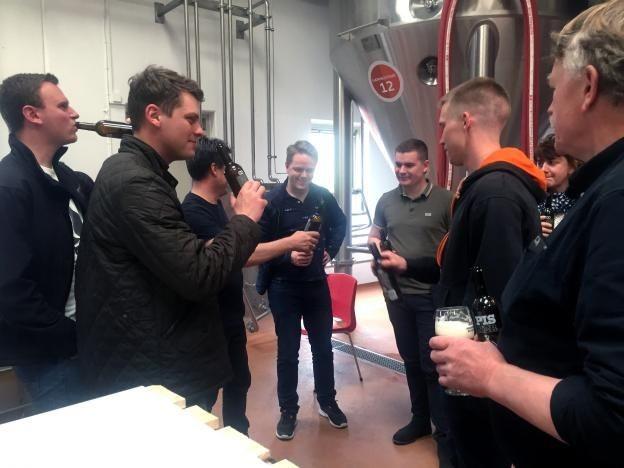 Датские пивовары выпустили партию пива на моче с музыкального фестиваля (5 фото)