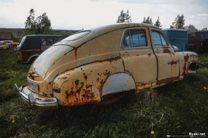 Кладбище советских автомобилей или музей Красинца (35 фото)