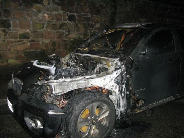 Короткое замыкание в проводке BMW (17 фото)