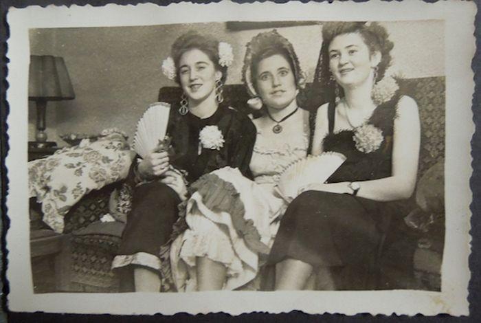Находки в сейфе женщины, пережившей нацистский режим (20 фото)